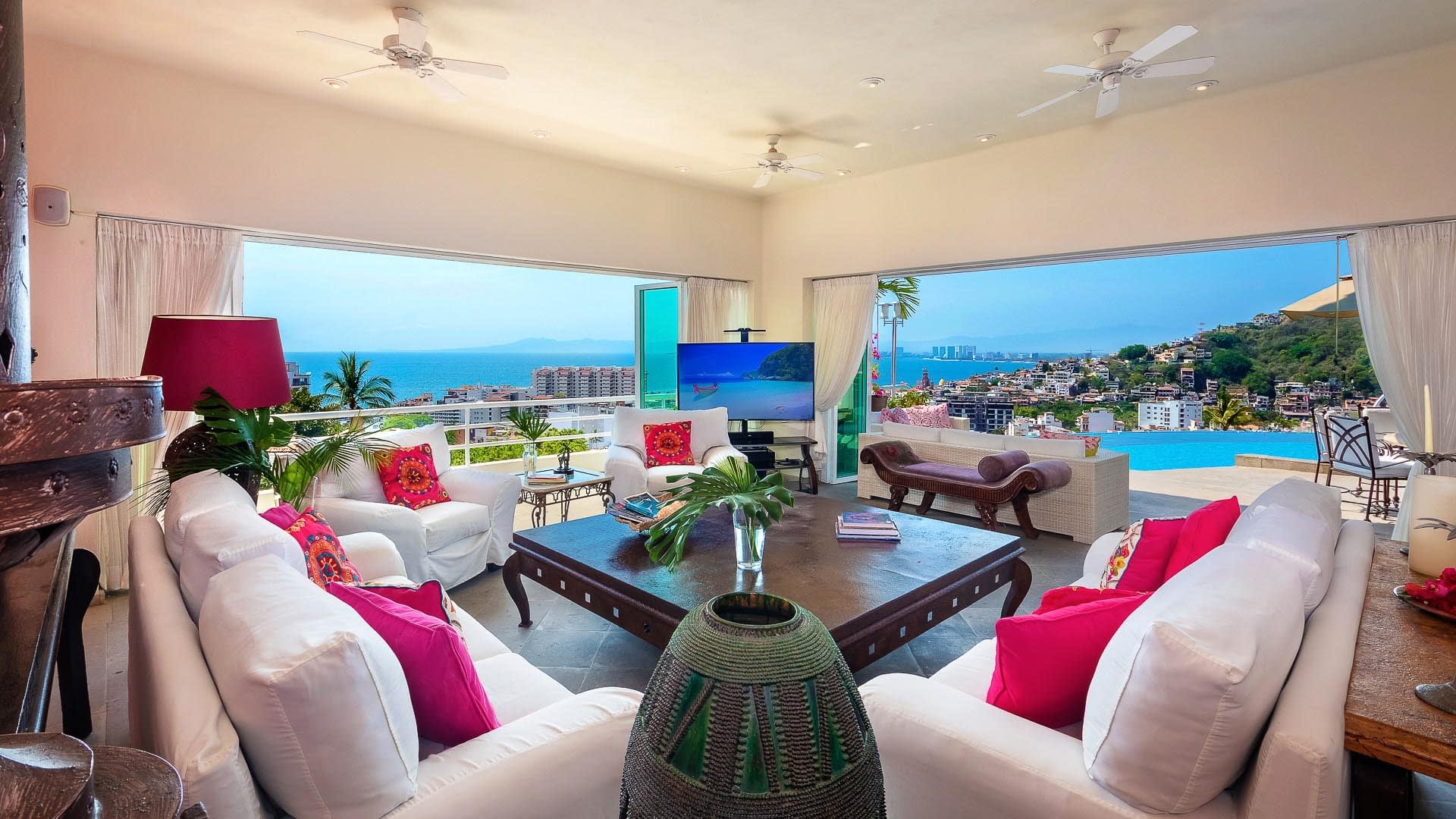 living room and beatiful view at casa yvonneka