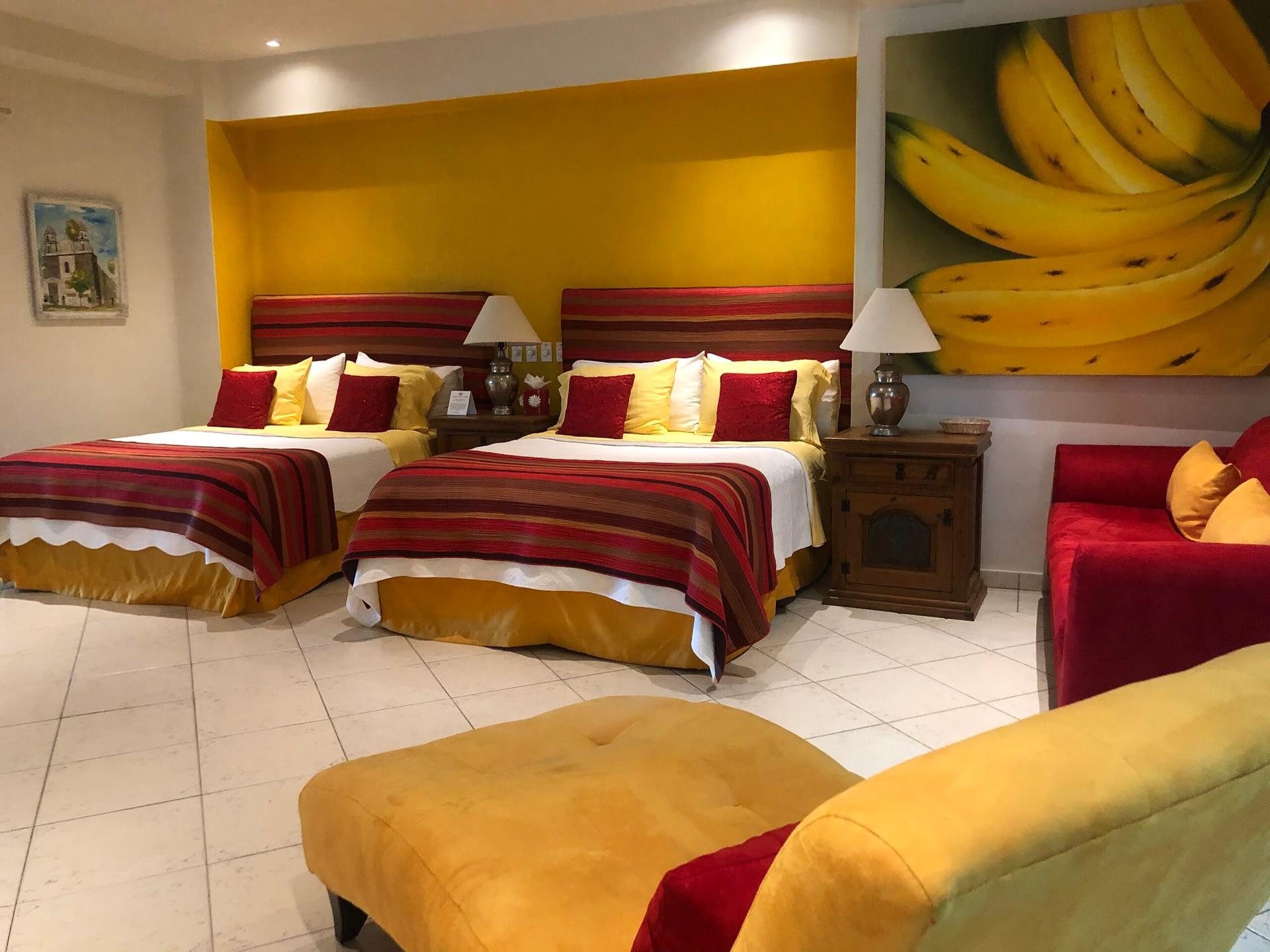 los platanos bedroom