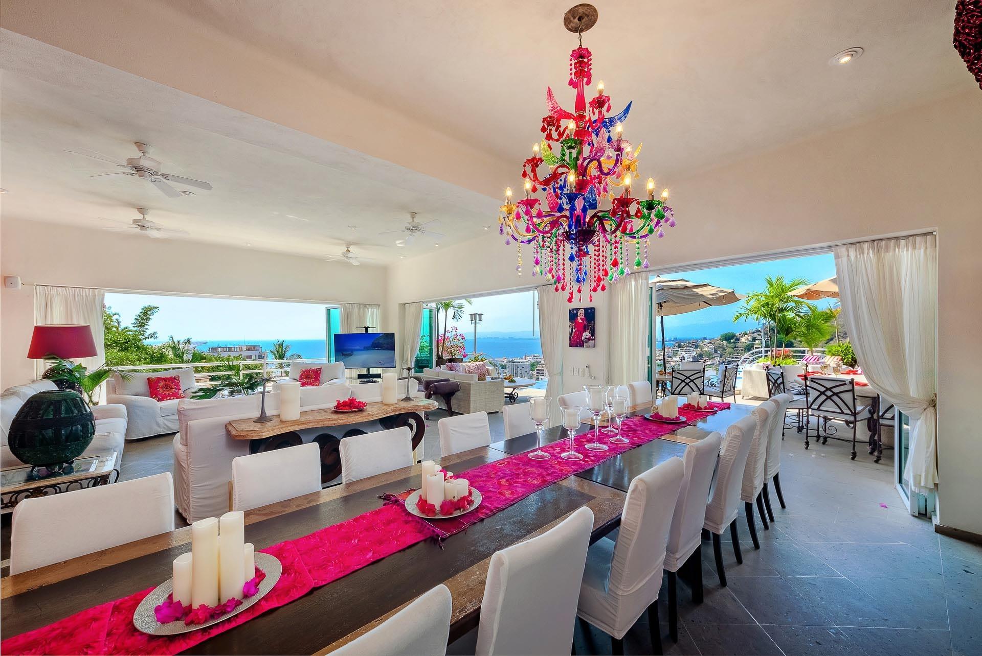 dining room at casa yvonneka